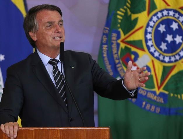 """브라질 법학자들 """"대통령, 팬데믹에 무책임…범죄행위"""""""